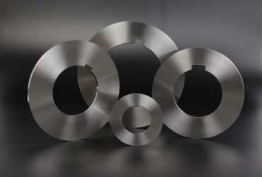 Roller sheer carbide knives